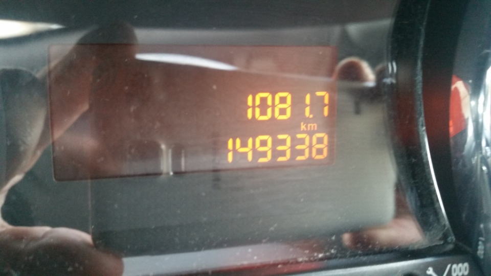 PEUGEOT 3008 1.6 HDI 110CV TECHNO CAMBIO A.